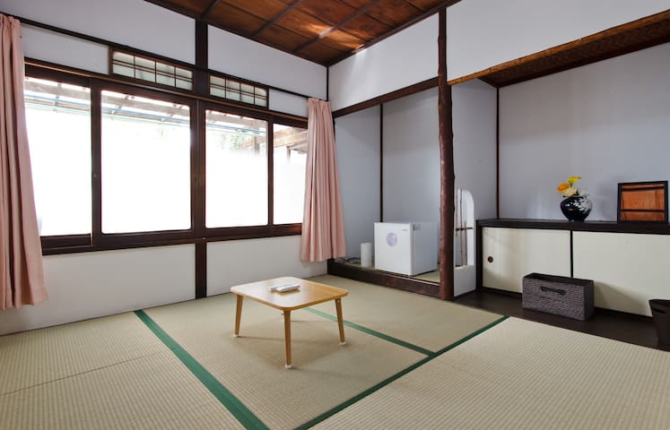 TRADITIONAL HOUSE Tatami room2 Namba6min