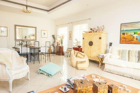 Cozy bdr in a chic Jumeirah Villa - ドバイ - 別荘