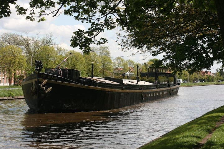 Historische woonboot in stadspark - Brujas - Barco