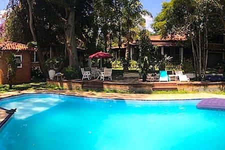 Hospedagem e locação p/confraternizações e festas - Ribeirão Pires