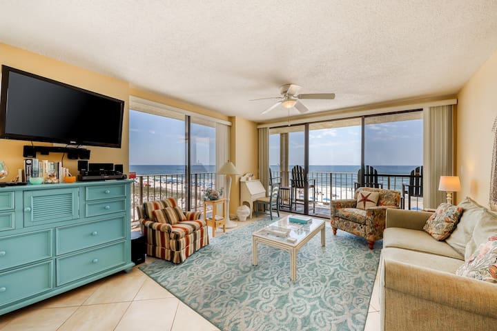 Beachfront condo w/ wrap-around balcony, shared pool & Gulf views!