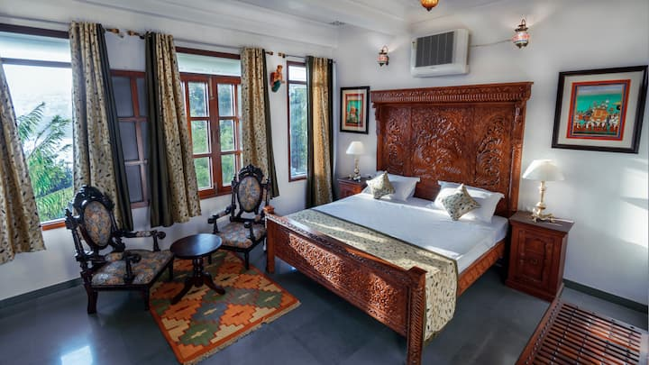 Chandralok Villa Super deluxe Room