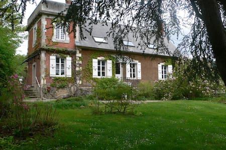 Maison de famille en Bourgogne - Broye - Huis