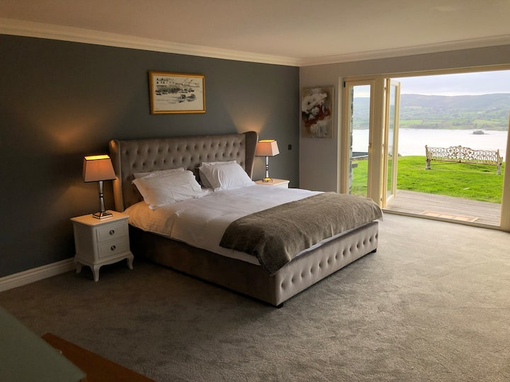 Master Bedroom Suite with Panoramic Lake Views