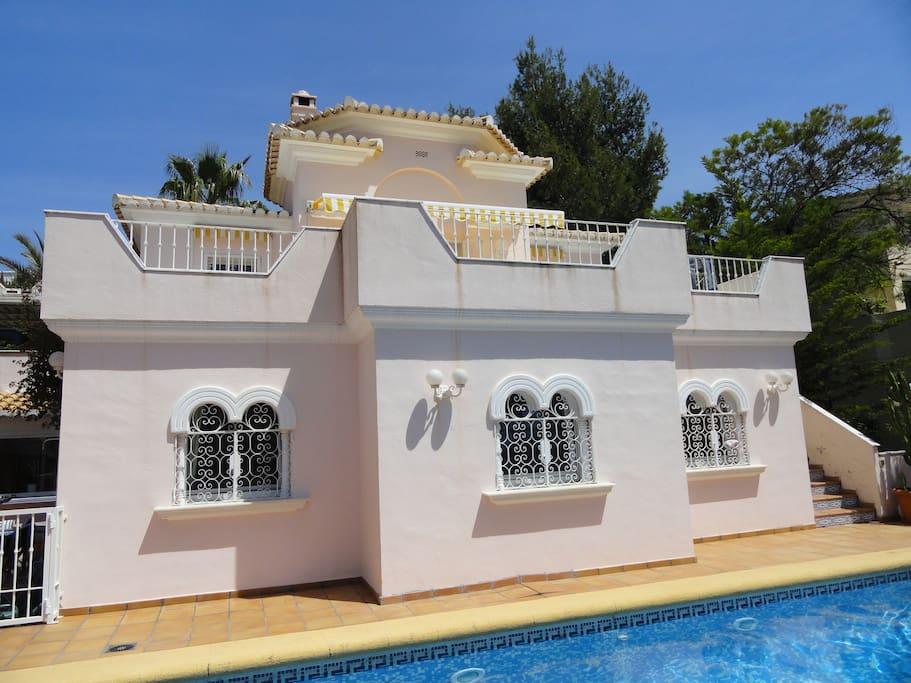 Grande maison avec piscine maisons louer d nia for Maison location espagne avec piscine