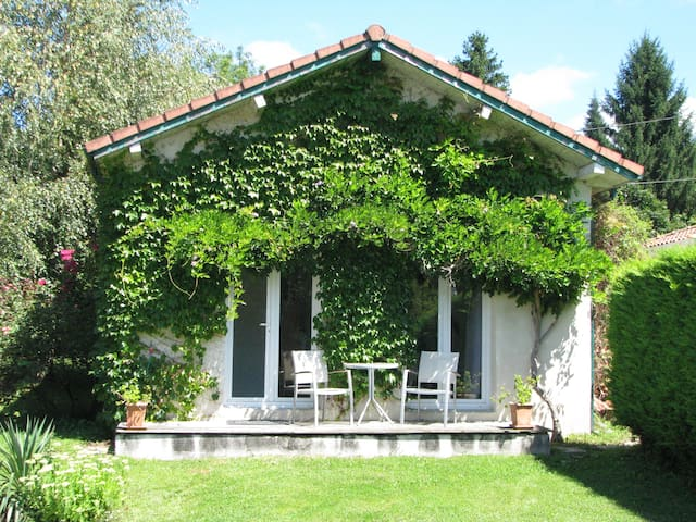 STUDIO tout confort dans Pyrénées - Ore - Rumah