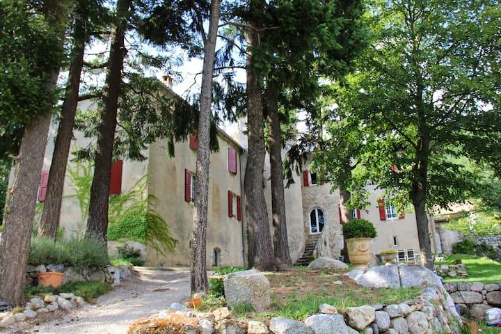 Château de la Rode, Suite Carmin - Aumessas - Dům