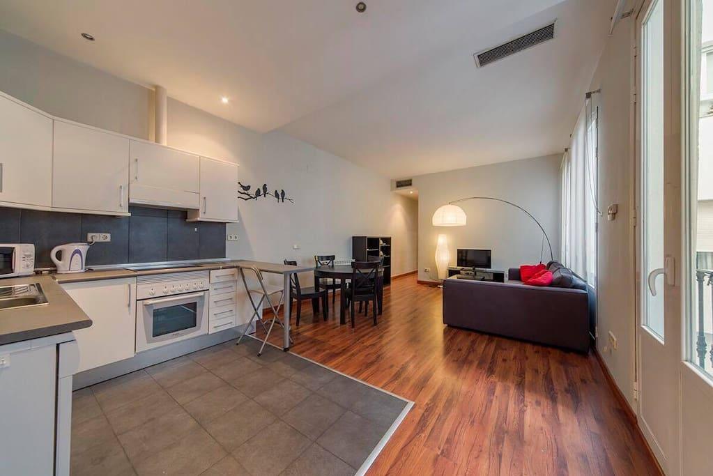 Impecable piso en pleno centro de madrid apartamentos en for Pisos madrid centro