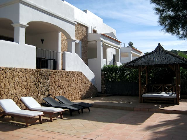 House in Ibiza little sea view - Sant Josep de sa Talaia - Hus