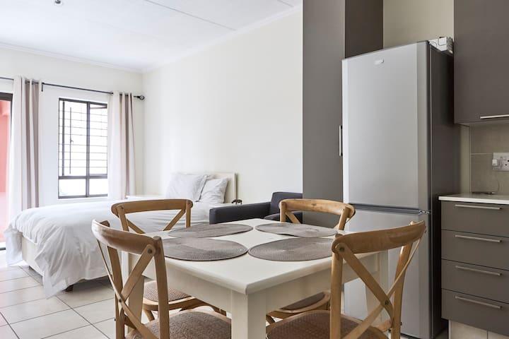 Gorgeous Garden Studio Apartment in Fourways