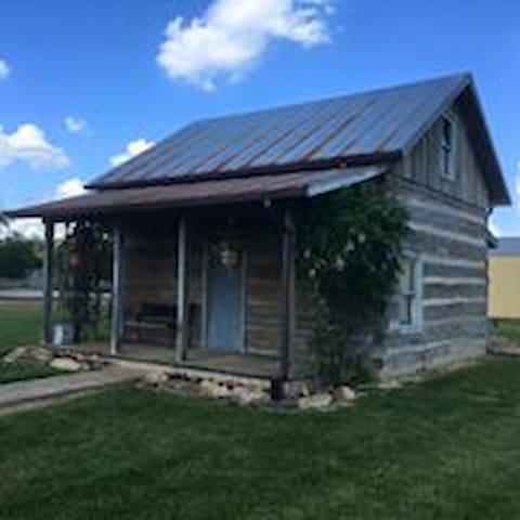 Cozy Farm Cabin