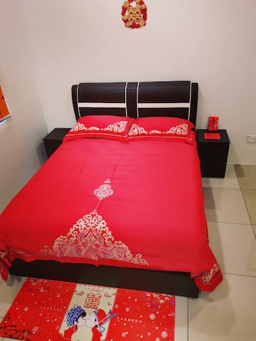 High quality wedding bed linen is designed for perfect bride & groom