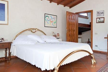 Villa Apartment in Chianti Rufina - Rufina - Talo