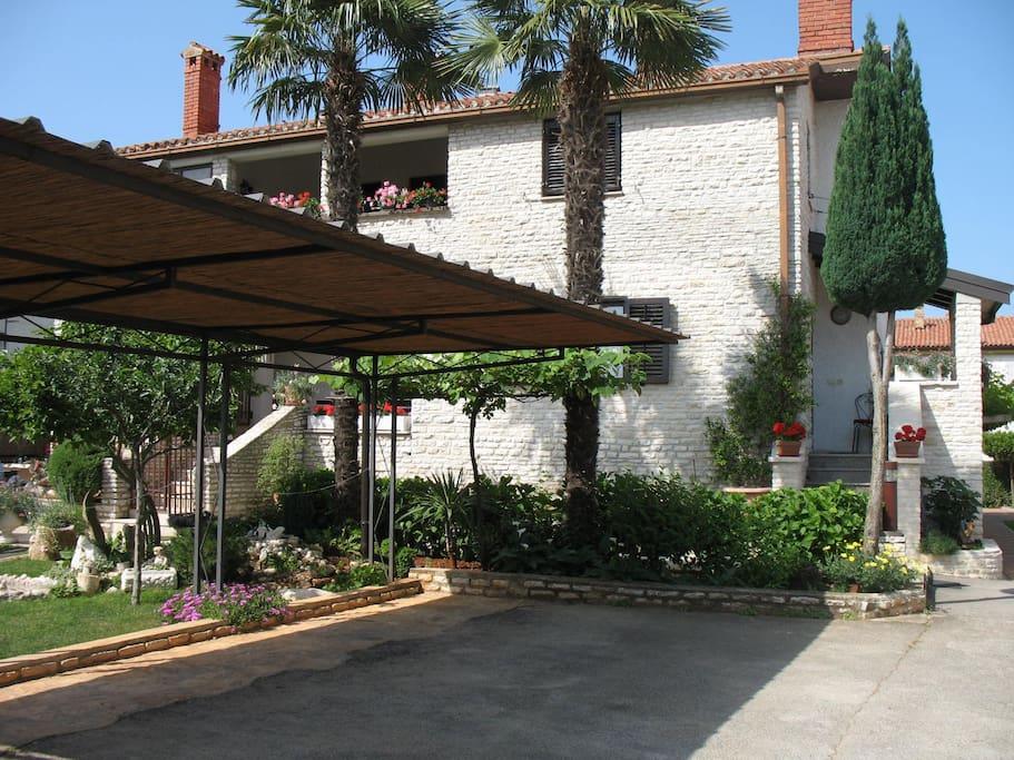 Villa Otilija-parking