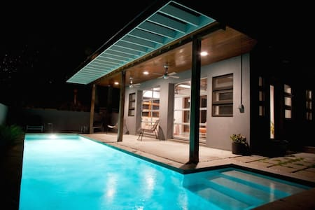 MODERNIST HOME W/ POOL, NEAR BEACH - Tybee Island