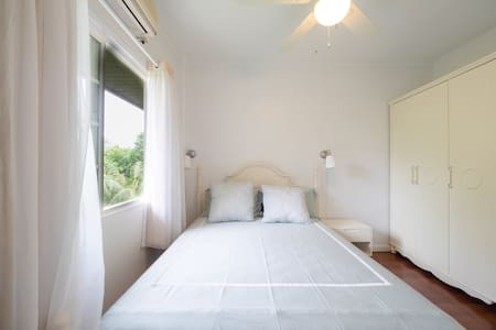 Cozy&Private bedroom (Neverland ROOM2, queen size) - Airai