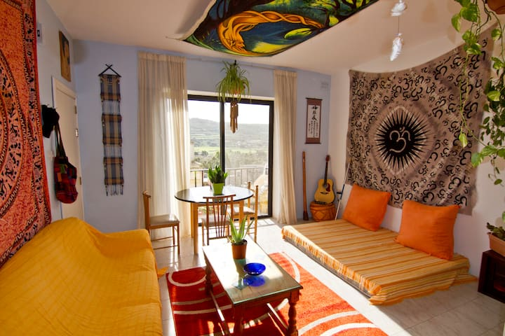 Warm, decorated whole flat, few minutes from sea - Xemxija - อพาร์ทเมนท์