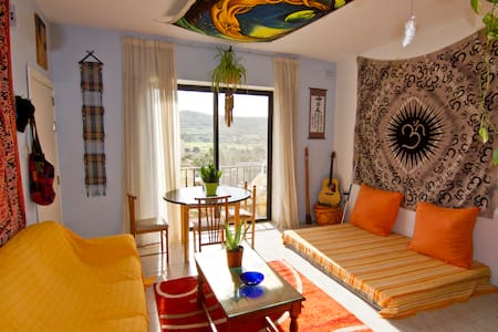 Warm, decorated whole flat, few minutes from sea - Xemxija - Apartament