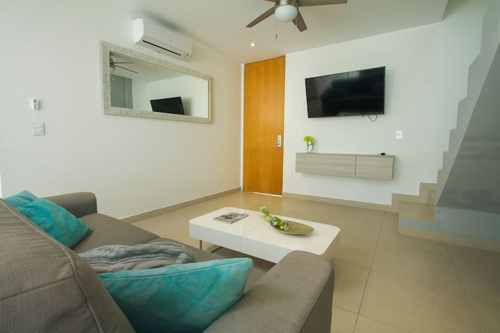 SALA CON SOFA CAMA & LIVING ROOM WITH SOFA BED
