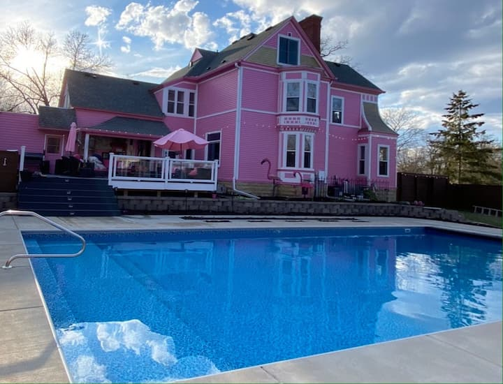 PinkCastle Babe'cation. Heated Pool&HotTub.