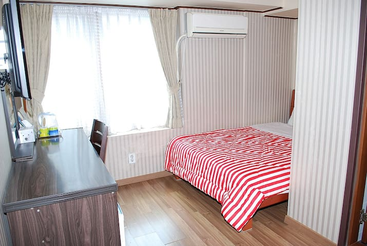 Double Room, IB Ville Guesthouse (Myeong-dong) - Jung-gu - Szoba reggelivel