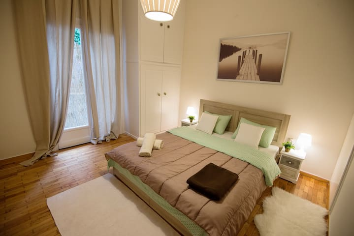 Acropolis 10 min walk,metro 5'.Central apartment. - Ateny