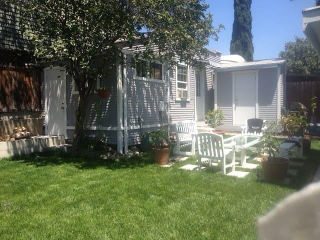 Quaint Guest House - Los Angeles - Huis