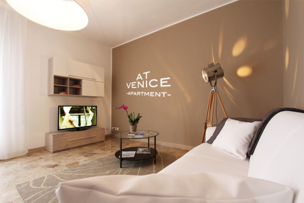 New design apartment 10 min from venice for Design apartment venice