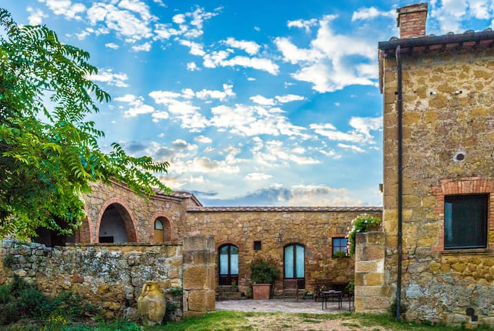 "Pure Relax and stunning view! Room ""Il Granaio"" - Pienza - Naturhytte"