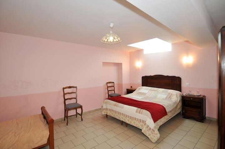 Chambre Antan familiale avec salle de bain privée