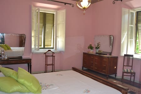 Double/Triple room (+ crudle) - Montescudaio