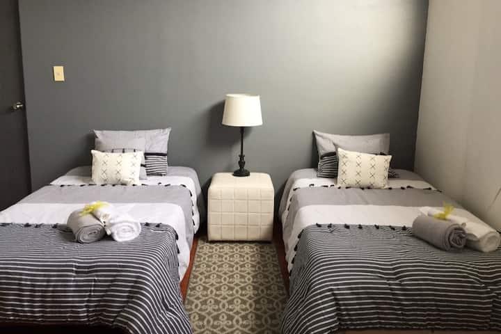 Habitación tipo suite con entrada independiente