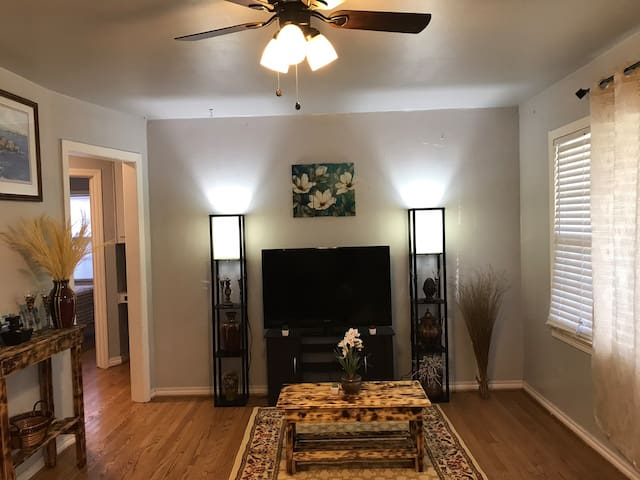 Central of OKC. 2 Beds 1 Bath