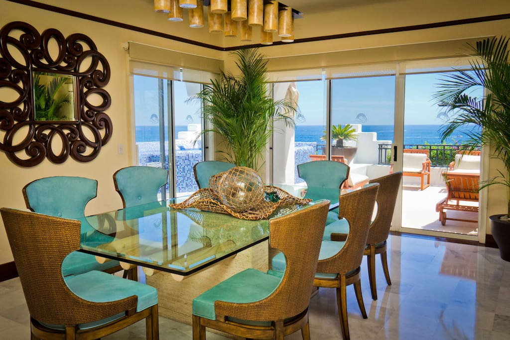 dinning room for 8 people