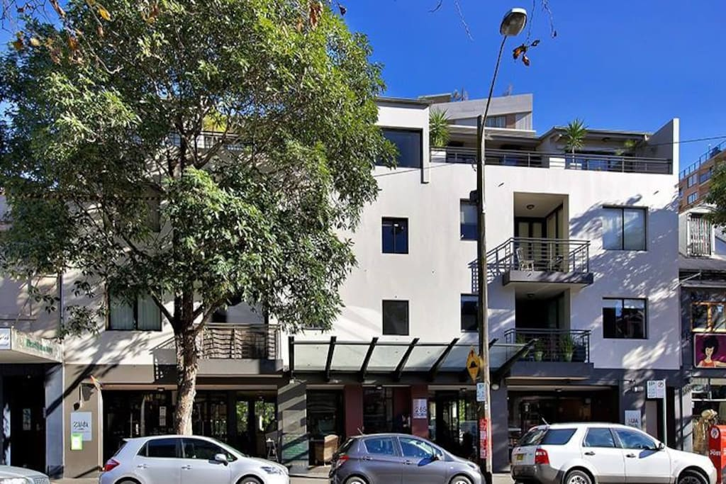 Apartment is situated right on Crown St, surrounded by great cafes and shops.