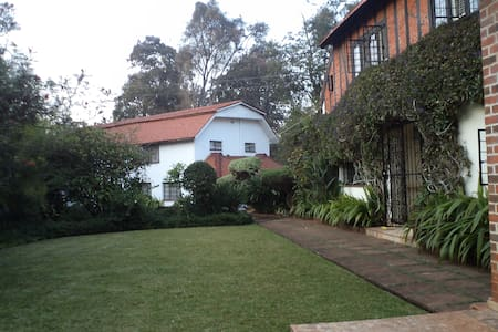 Relax in exclusive Muthaiga guest house - Nairobi