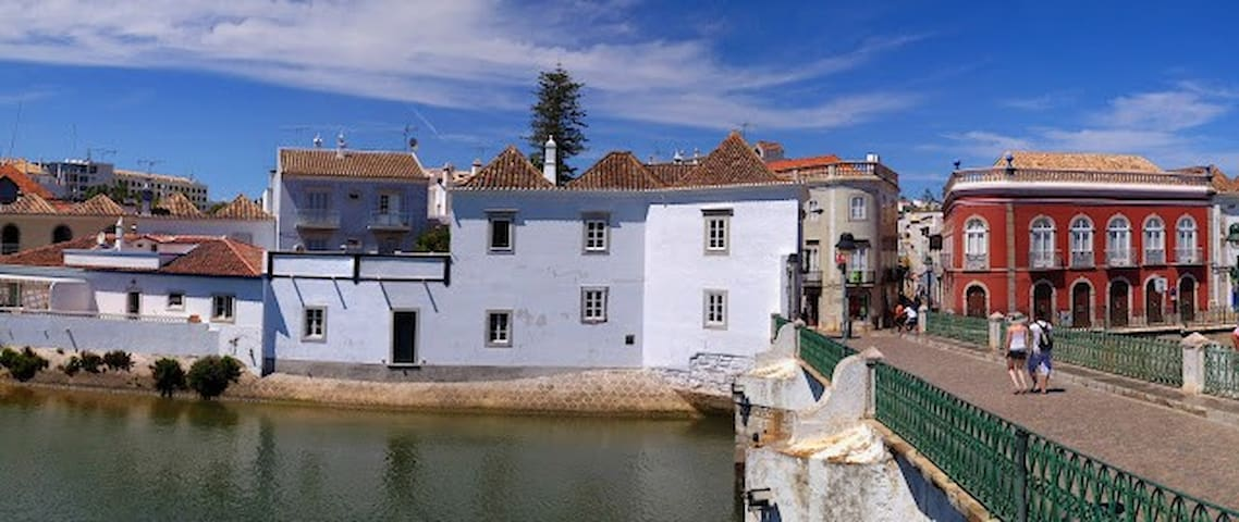 House on the Bridge, Tavira