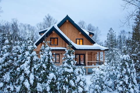 Beautiful and cozy log home