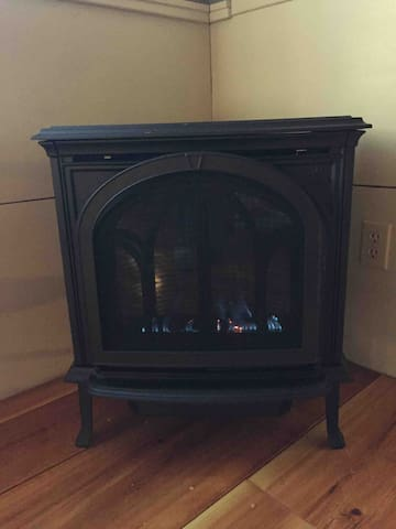 Jotul gas fired stove gives romantic ambience