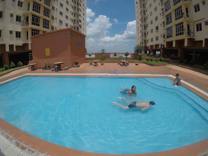 Guest house - River view Condominium c/w pool