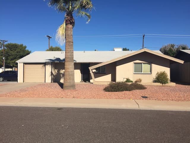 3BR Super Bowl House in Old Town  - Scottsdale - Haus