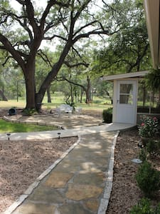 Deer Run Bed and Breakfast Running Doe Suite - Dripping Springs