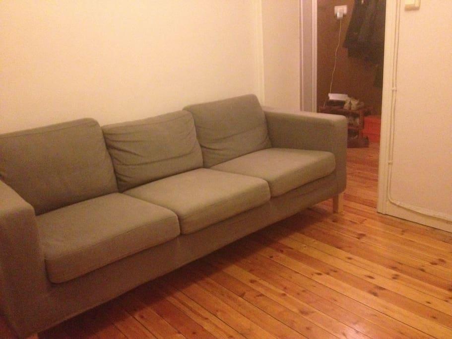 Sofa where a third person can sleep