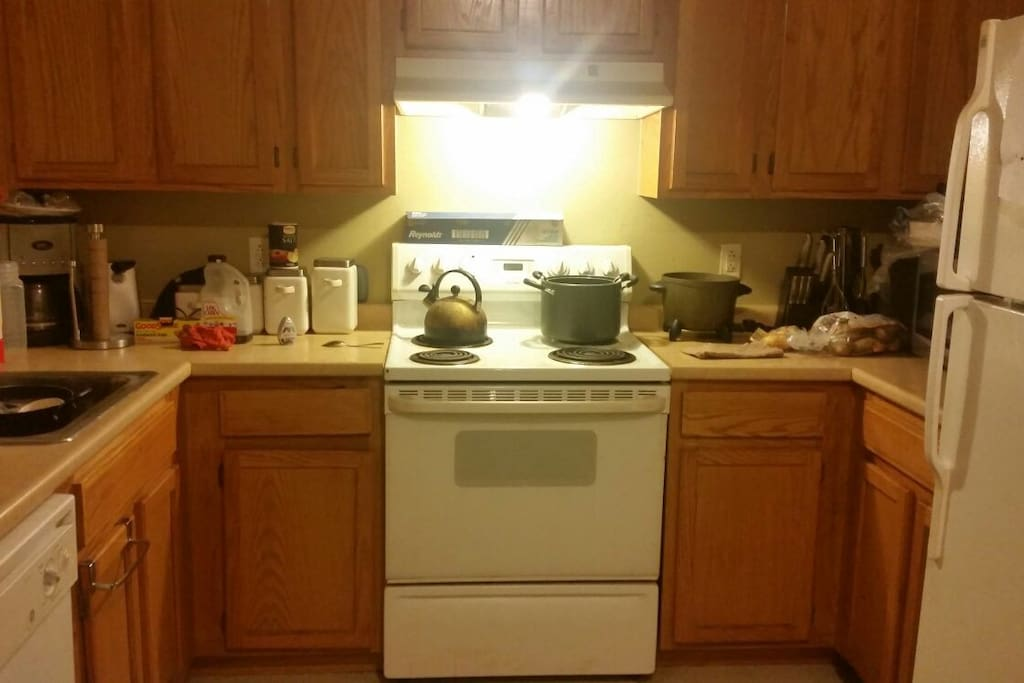 Beautiful kitchen. Central air