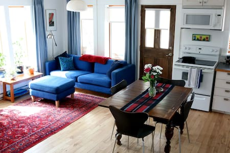 The Guesthouse at Bombay Peggy's
