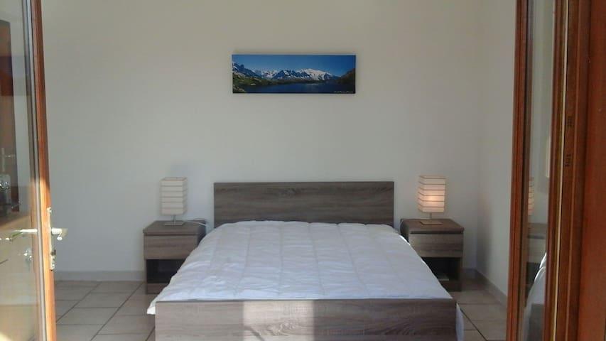 Une belle chambre avec une entrée indépendante !