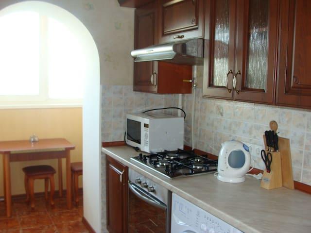 Уютная квартира в Киеве Святошино. - Kiev - Apartamento