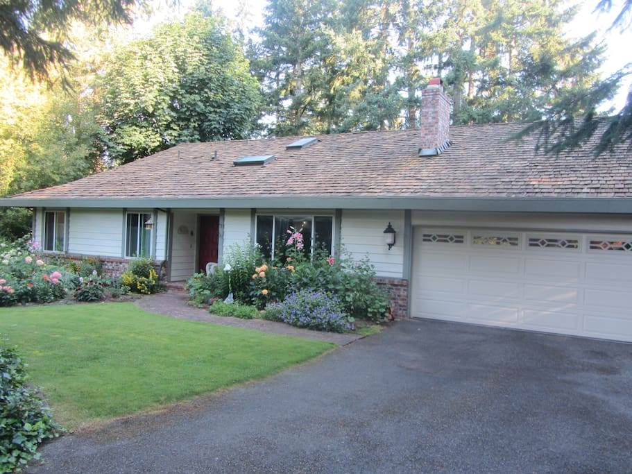 Pacific Northwest Garden Home. Walk to the US Open from this 3,400 sf. charmer!