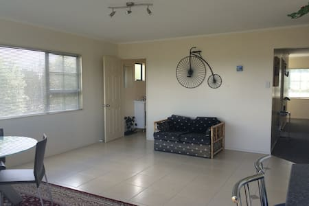 The Candlemaker's Country cottage - Te Kauwhata