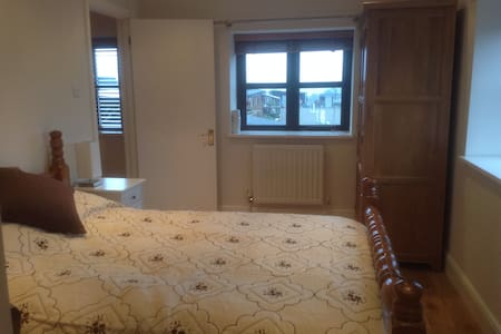 Double bedroom in Affricks Barn - Little Kingshill